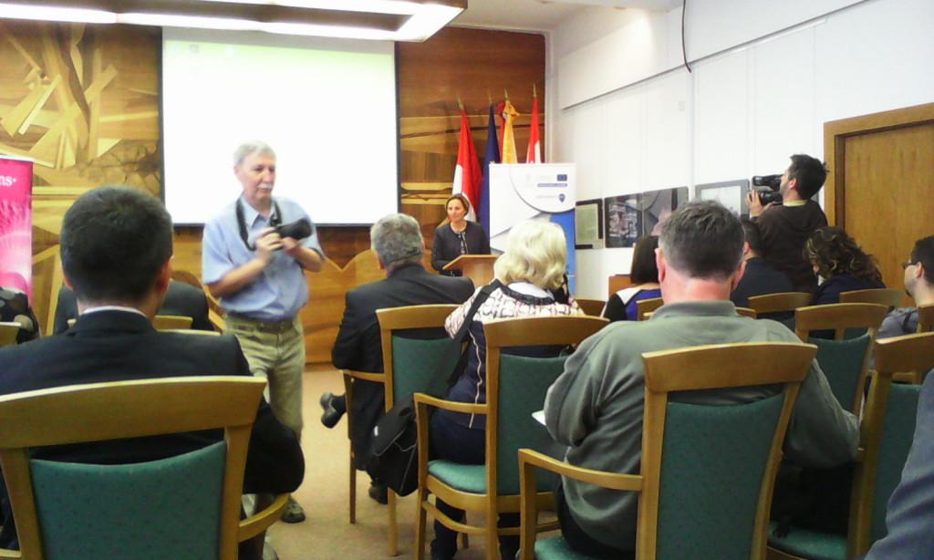 A konferenciát Szemereyné Pataki Klaudia, Kecskemét polgármestere nyitotta meg